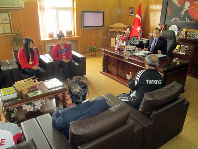 turkiye_sampiyonundan_kaymakama_ziyaret_2