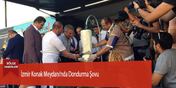 İzmir Konak Meydanı'nda Dondurma Şovu