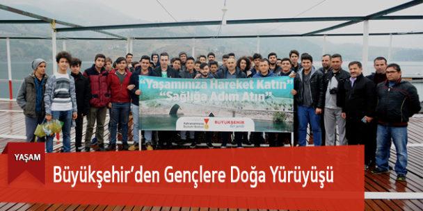 Büyükşehir'den Gençlere Doğa Yürüyüşü