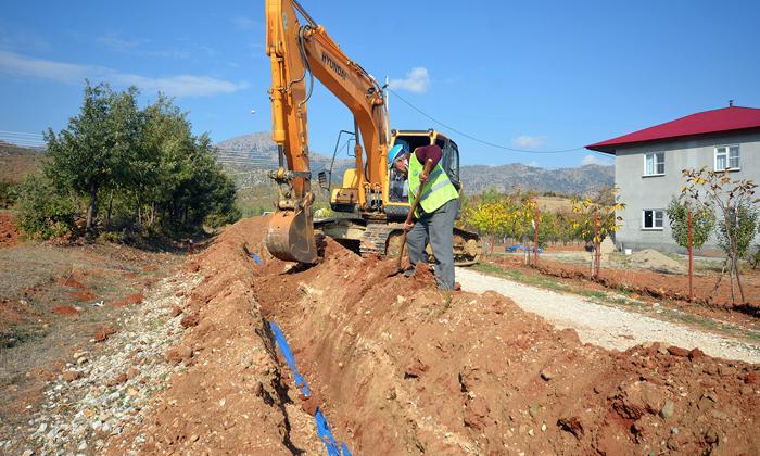 KASKİ Yeniyapan'ın Su Sorunu Çözdü Sıra Yollarında